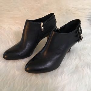 Vince Camuto High Heel Leather Booties (8M)